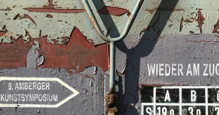 9. Amberger Kunstsymposium – Wieder am Zug – Einladung